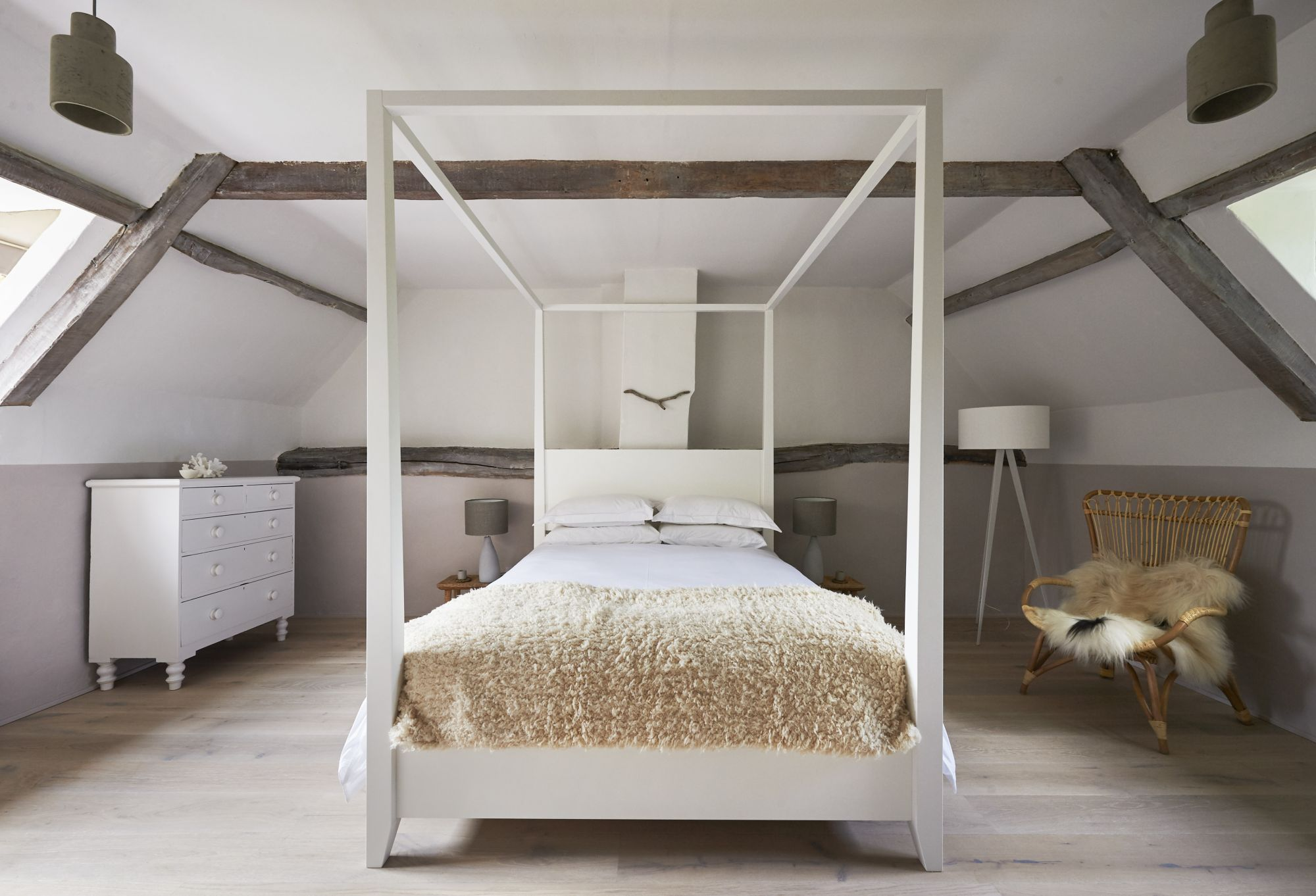 cartshed-cottages-salt-bedroom-centre.jpg