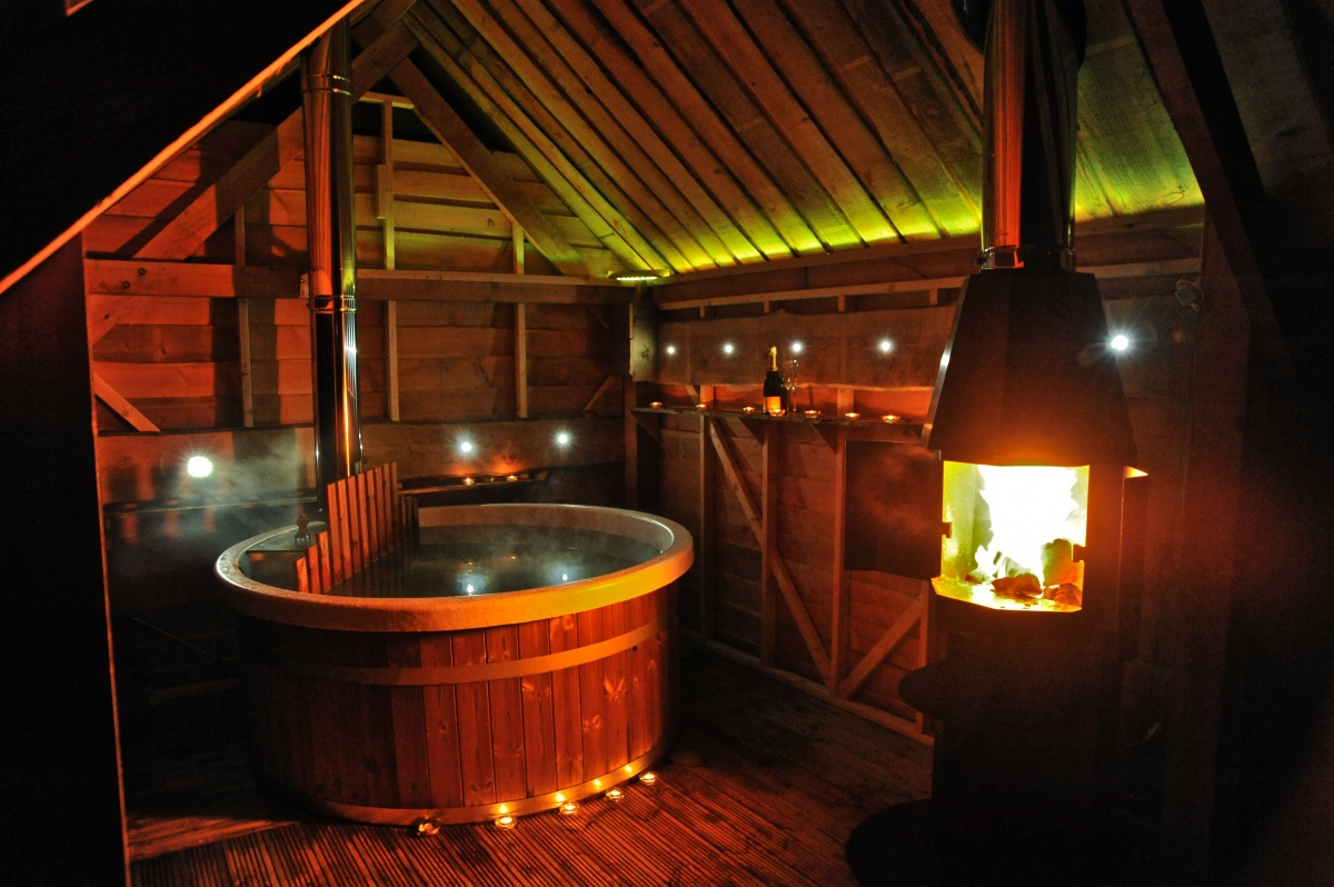 family-teeny-hot-tub-shed.jpg