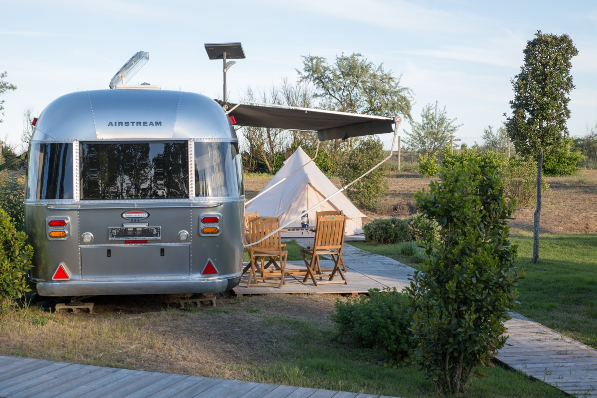 gooutside-venice-airstream-back.jpg