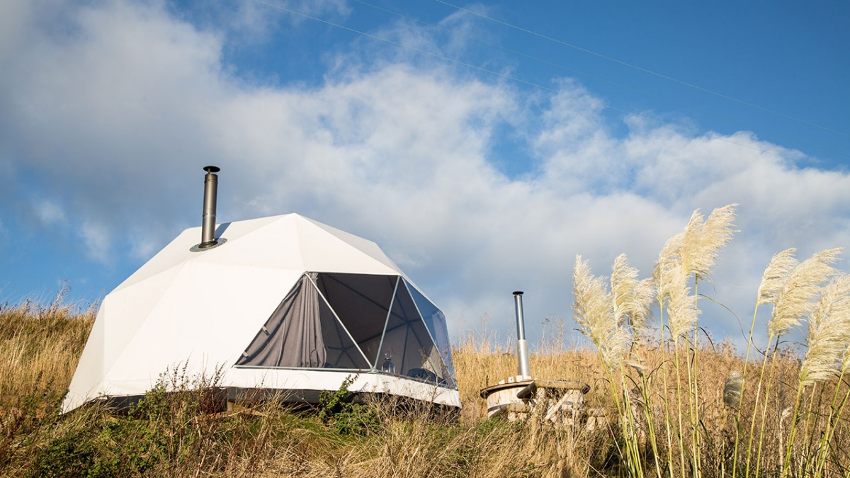sauchope-links-glamping-domes-ext.jpg